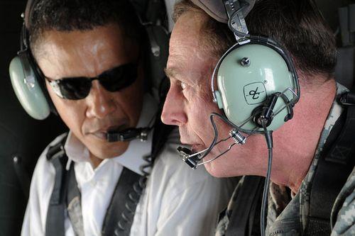Obama Petraeus 208