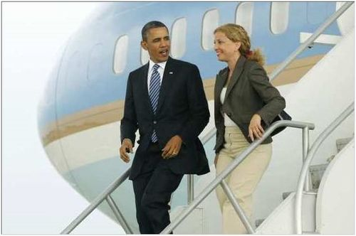 Obama-Debbie-Wasserman-Schultz-AF-1